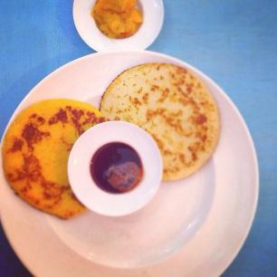 Dueto de pancakes que servimos durante los desayunos en LA COMUNION